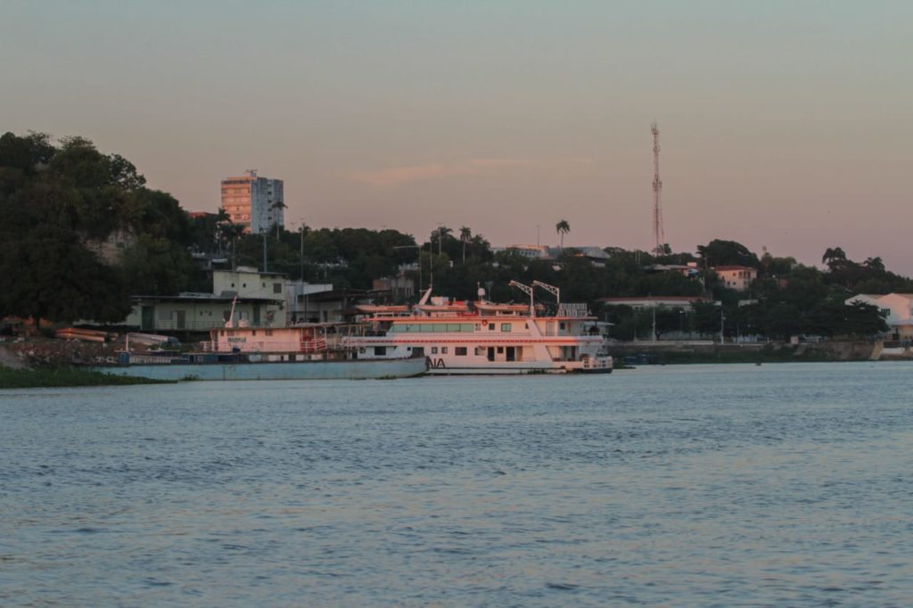 Barco turístico colaborou com logística para entrega de vacinas no Alto Pantanal. Foto de Marcos Maluf.